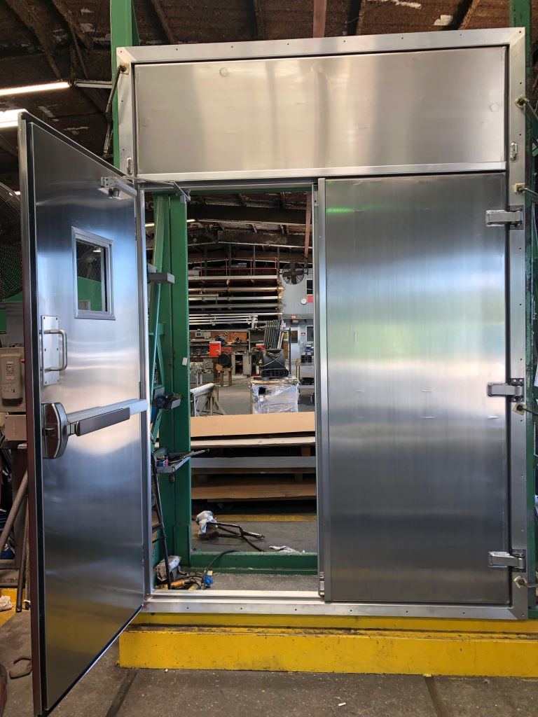 Aluminum Container Double door with a removable transom 01